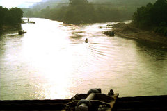 Thượng úy công an bơi sông cứu người lúc nửa đêm