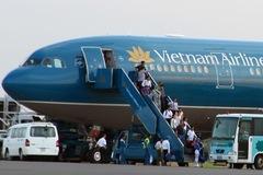 Thời sự trong ngày: Máy bay VN hạ cánh cứu người