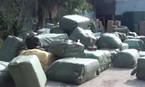 Đột kích kho hàng lậu khổng lồ giữa Hà Nội