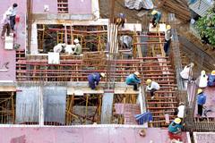 Năm 2015: Cổ phần hóa toàn bộ doanh nghiệp xây dựng