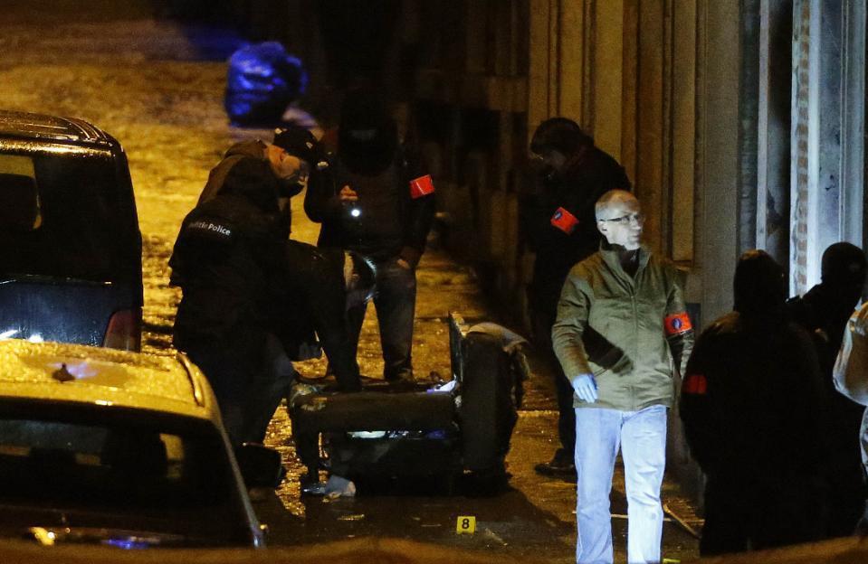 Cảnh sát Bỉ bắn chết 2 nghi phạm khủng bố - 2