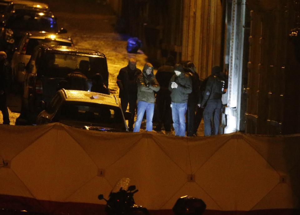 Cảnh sát Bỉ bắn chết 2 nghi phạm khủng bố - 4