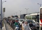 Kẹt xe nghiêm trọng hơn 6 giờ trên xa lộ Hà Nội