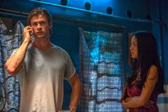 Sao phim 'Thor' đóng cảnh nóng với mỹ nhân 'Sắc, Giới'