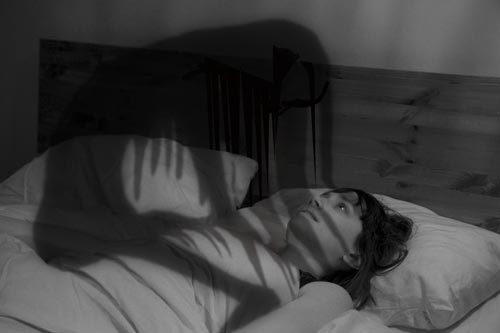 Giải mã bí ẩn 'bóng đè' khi sắp tỉnh giấc