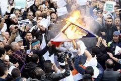 Thế giới 24h: Bạo lực gia tăng khi phản đối Charlie Hebdo