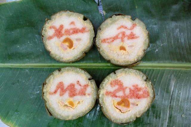 Bánh tét 'độc' 600 ngàn/cặp vẫn cháy hàng ở Sài Gòn