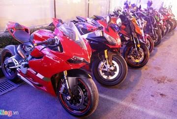 Dàn mô tô phân khối lớn của biker miền Bắc tụ họp ở Hà Nội