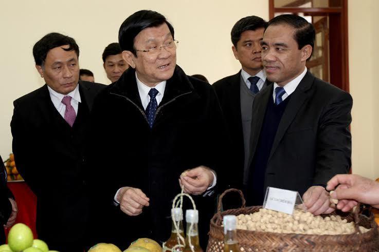 Chủ tịch nước trao thư khen cho các nhà tài trợ nông thôn mới