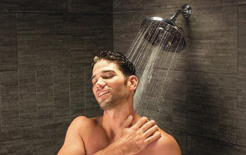 Bí quyết tắm vòi sen giúp bạn 'khỏe' cả ngày