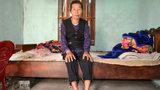 Xót cảnh bà 72 tuổi liệt nửa người nuôi 3 cháu bị mẹ bỏ rơi