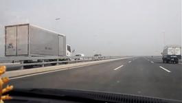 Ôtô ngược chiều cầu Nhật Tân: Phạt 1 triệu, tước GPLX 30 ngày