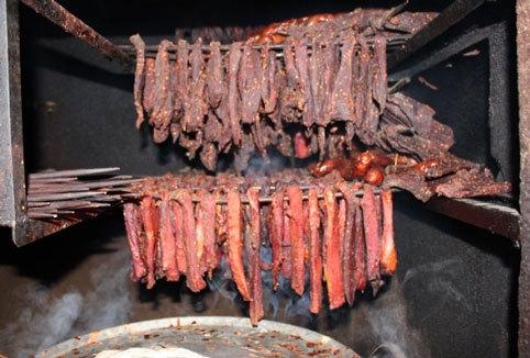 thịt khô, thịt hun khói, lạp xưởng, món ngon tây bắc