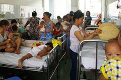 'Nói không với nằm ghép: Dân lo bị xuất viện sớm