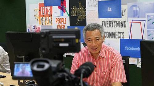 Thủ tướng Singapore chat với dân qua Facebook - 2