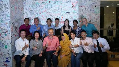 Thủ tướng Singapore chat với dân qua Facebook - 3