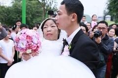"""""""Đám cưới cổ tích"""" và cuộc hôn nhân không giá thú"""