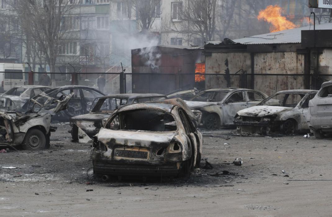 Đông nam Ukraina lại bùng nổ pháo kích dữ dội - 1