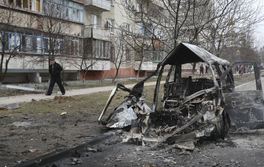 Đông nam Ukraina lại bùng nổ pháo kích dữ dội - 3