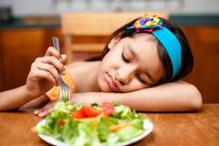 Mách mẹ 10 bước đơn giản giúp bé hứng thú ăn uống hơn
