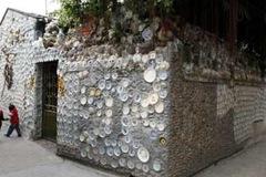 Lão gàn và ngôi nhà gắn 1 vạn cổ vật, 230kg tiền xu