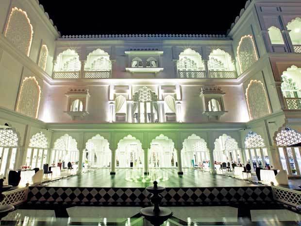 Lâu đài trắng 15 triệu USD ở Phú Mỹ Hưng