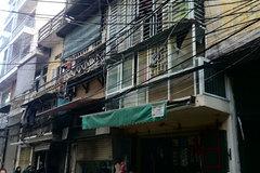 Hà Nội: Nổ lớn từ chiếc ô tô, cả khu phố hoảng loạn