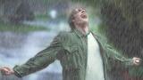 Vì sao sau cơn mưa trong không khí lại có mùi hương lạ?