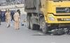 Hà Nội: Cô giáo trẻ chết thảm dưới bánh xe tải