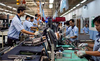 Xếp hàng mua smartphone Việt như iPhone:  Chuyện đùa?