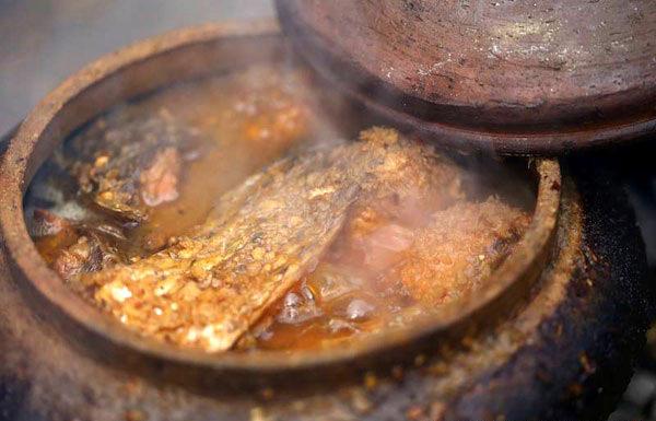 đặc sản, gà Đông Tảo, chè Tân Cương, tỏi Lý Sơn