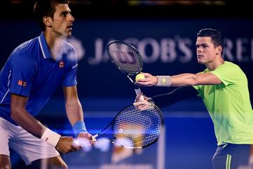 Tiễn Raonic rời giải, Djokovic hiên ngang vào bán kết