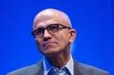 S.Nadella và kính HoloLens có vực được Microsoft?
