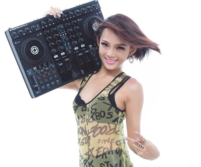 DJ, King Lady, The Remix
