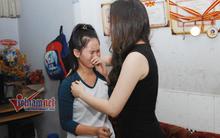 Cô gái hát rong khóc òa khi gặp Hồ Quỳnh Hương