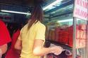 """Hàng bánh mì Sài Gòn """"nhẵn mặt"""" trên blog Tây"""