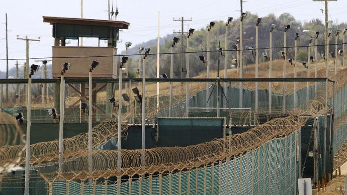 Cuba, Mỹ, Hoa Kỳ, vịnh, Guantanamo, nhà tù, căn cứ, quân sự, hải quân, cấm vận, bình thường hóa, quan hệ, ngoại giao, kinh tế
