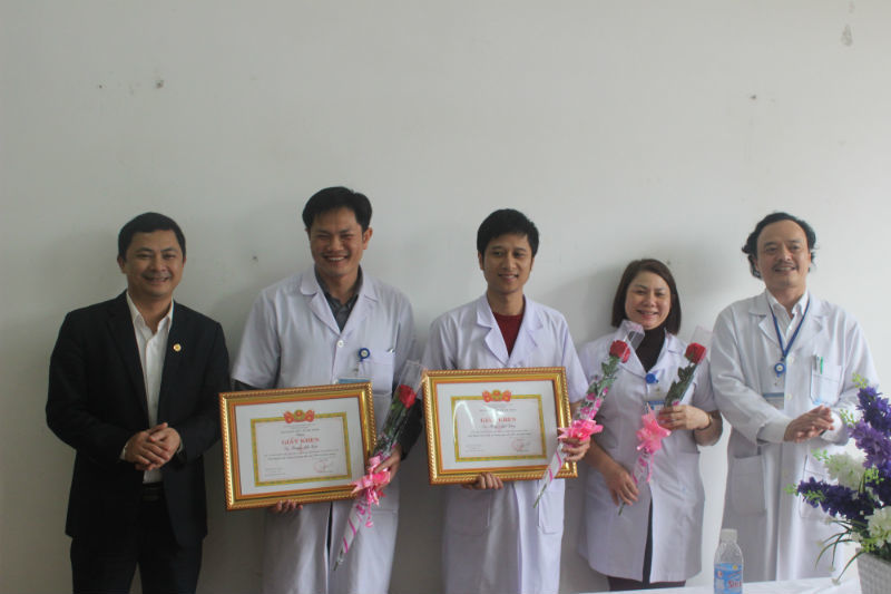 Hai bác sĩ hiến máu hiếm cứu sản phụ nguy kịch