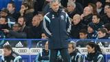 """Pellegrini hăng máu, Mourinho vẫn """"chiến tranh lạnh"""""""