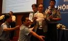 Náo loạn tại đại hội toàn trường ĐH Hoa Sen