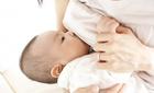 """Vạch trần những lời """"đồn thổi"""" về sữa mẹ"""