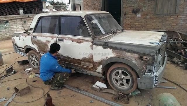 Thợ vườn Bắc Giang 'độ' Lada nát thành Rolls-Royce Phantom