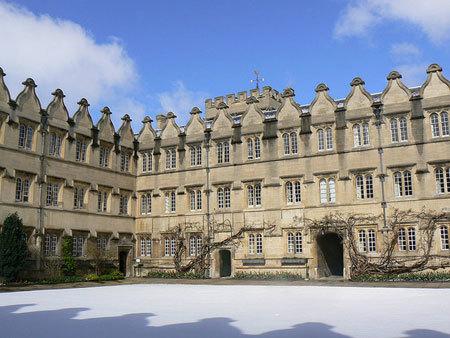 23 từ có nghĩa hoàn toàn khác ở ĐH Oxford