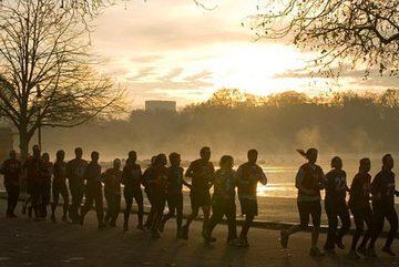 Không nên chạy thể dục vào sáng sớm?