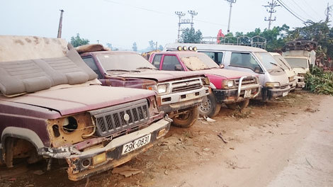 Bãi tha ma ôtô lớn nhất Việt Nam ở làng Tề Lỗ