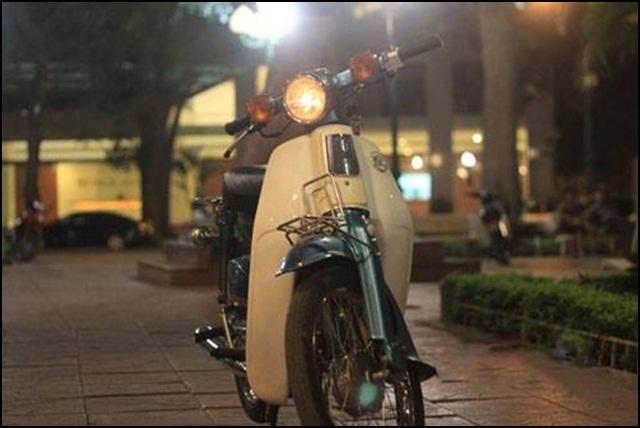 Huyền thoại 'kim vàng giọt lệ' Honda Cub 81 giá bằng ôtô