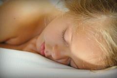 Mỗi ngày ngủ bao nhiêu tiếng là đủ?