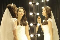 Tiết lộ về chiếc váy cưới đính 10.000 viên pha lê của Trúc Diễm