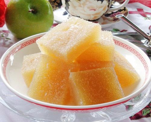 Mời khách ngày Tết thạch táo dẻo thơm