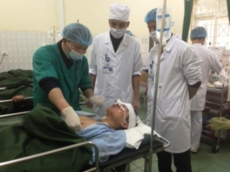 Lại đâm xe trên đường Hồ Chí Minh, 9 người thương vong